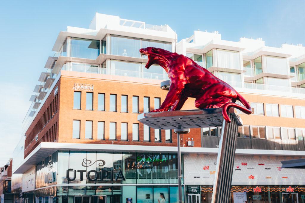 Metoo-monument på Rådhustorget Umeå